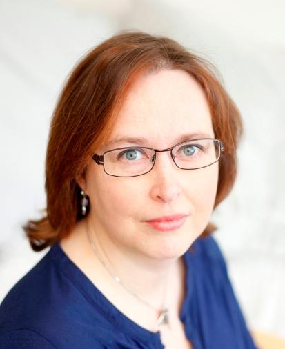 Helen Pollard_author portrait_ cropped