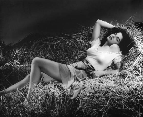 Jane_Russell_in_The_Outlaw.jpg