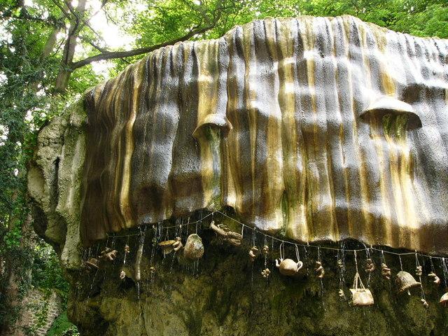 Mother_Shipton's_cave_Knaresborough_-_geograph.org.uk_-_436482